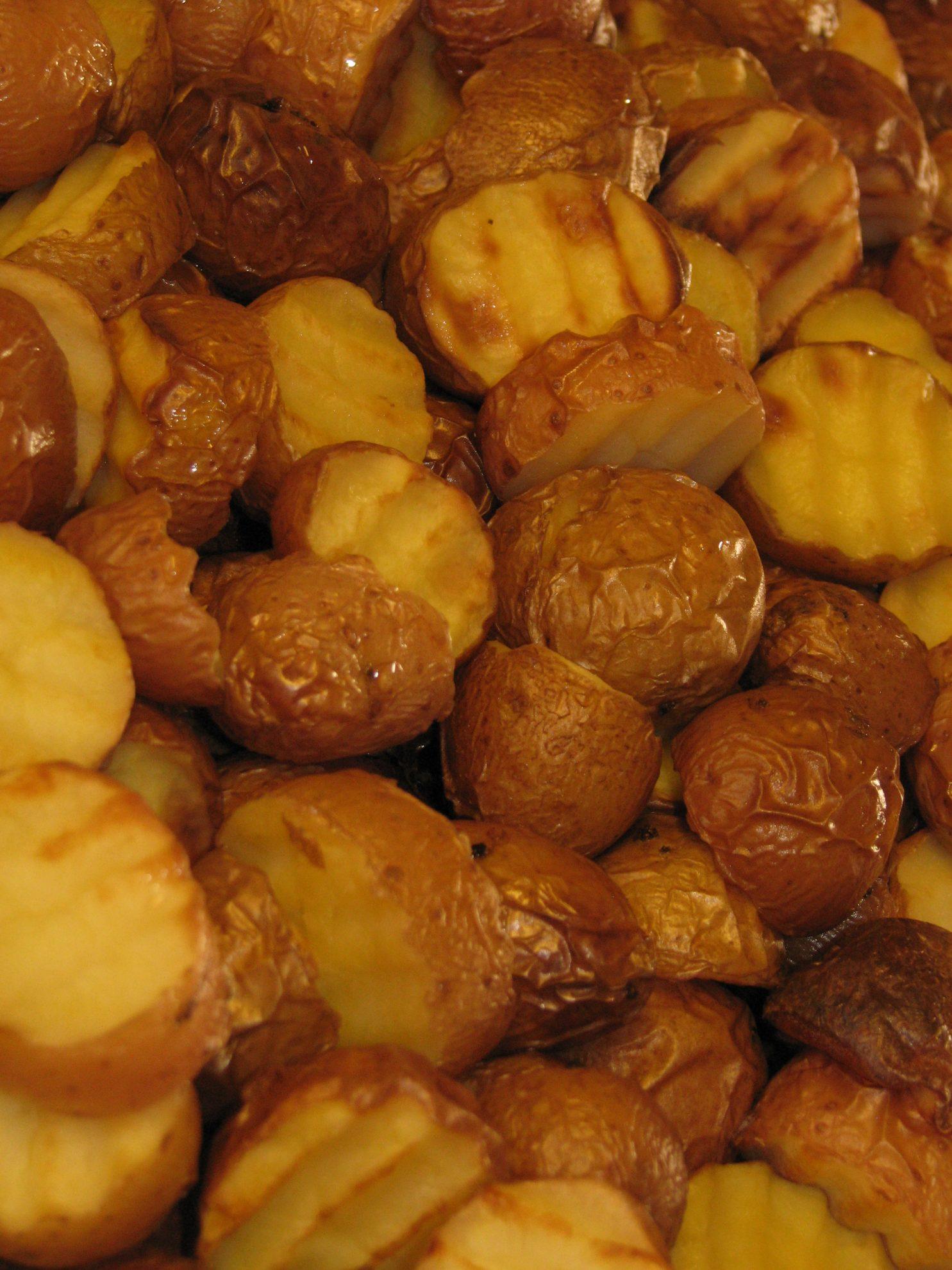 תפוחי אדמה אפויים