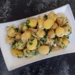 תפוחי אדמה עם בצל ועשבי תיבול | קייטרינג בשרון